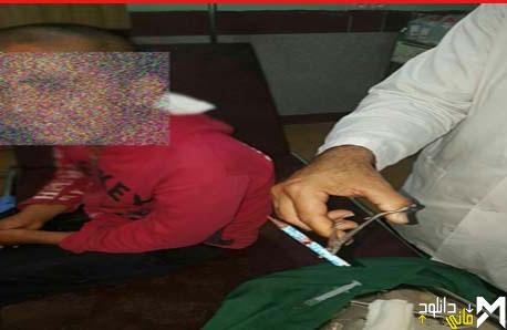 تنبیه وحشتناک دانش آموز توسط معلم در رودبار + عکس