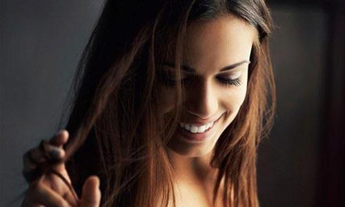 ۱۱عادت غلط که موهای شما را نازکتر میکند