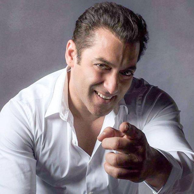 Salman Khan Pic دانلود آهنگ صوتی هندی سیارا می سیارا Saiyaara سلمان خان با متن