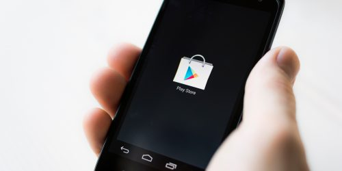 How to Force the Google Play Store to Update on Android