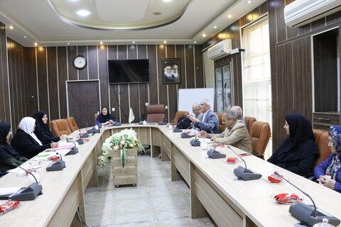 نشست هم اندیشی در زمینه حوزه های عملکردی بنیادهای فرزانگان استان