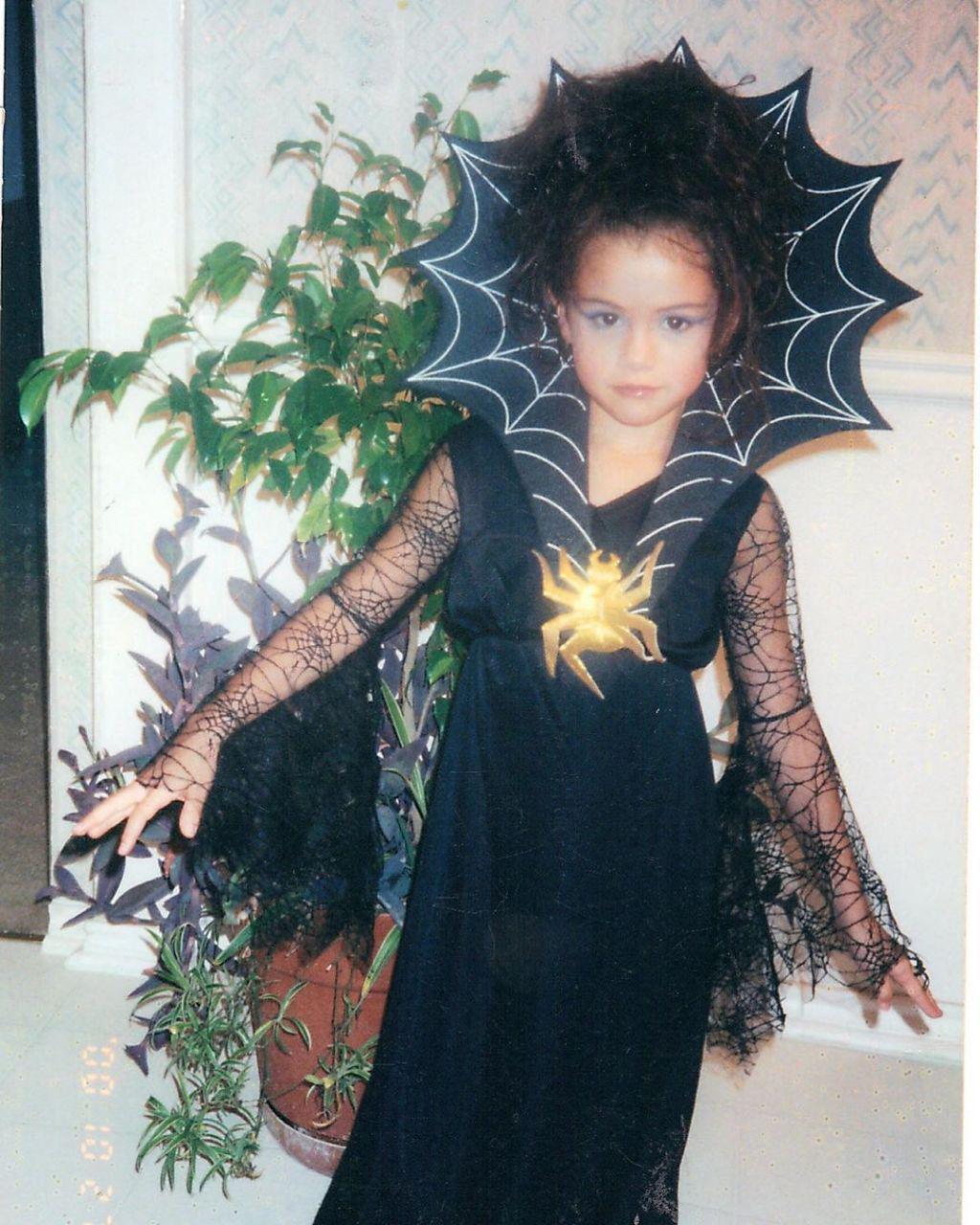 پست جدید سلنا مربوط به هالووین