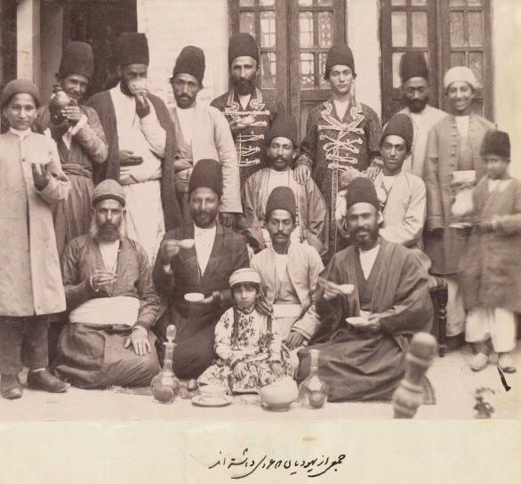 عکسی از یهودیان دوره قاجار در عروسی گرفته شده توسط علی خان