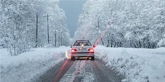 تداوم بارش برف و باران در جادههای شمالی کشور