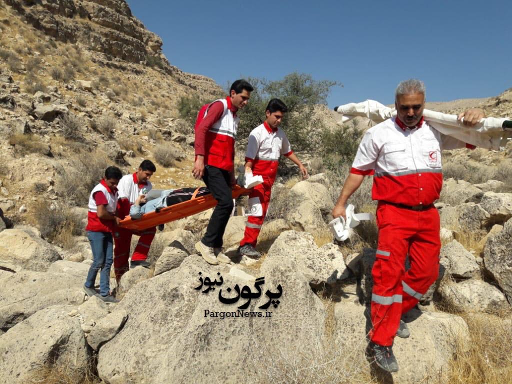 سقوط خانمی از ارتفاعات  تنگ بادی شهرستان قیروکارزین