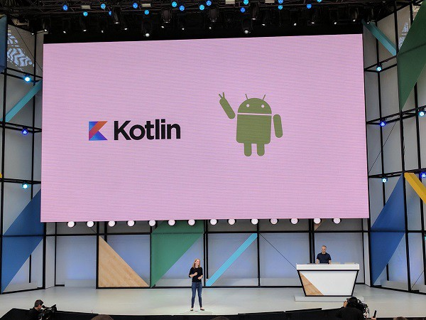مراسم معرفی زبان کاتلین ( kotlin ) توسط شرکت گوگل