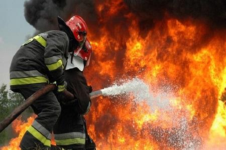 آتشسوزی منزل مسکونی در آستارا مهار شد