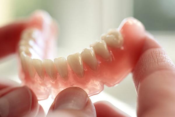 درمانهای تخصصی متخصص پروتز دندان و ایمپلنت در تهران