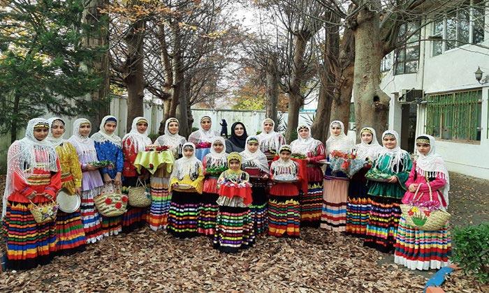 اجرای نمایش آیینی سنتی گروه سی گل کلاچای در رشت و رودسر