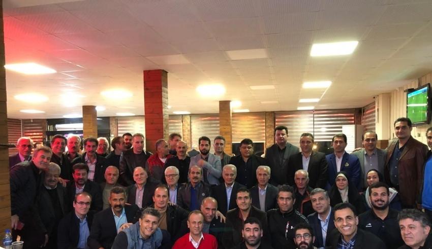 اولین جلسه کانون مربیان مستقل فوتبال گیلان به ریاست دکتر بیژن ذوالفقارنسب در رشت برگزار شد