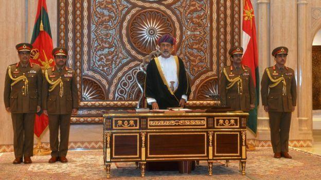 ادای احترام سران کشورهای مختلف به سلطان قابوس