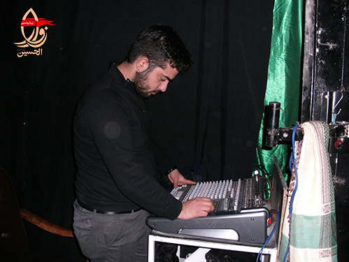 تنظیم سیستمم صوتی هیئت زوارالحسین توسط محمدحسن بهشتیان در مراسم فاطمیه هیئت زوارالحسین