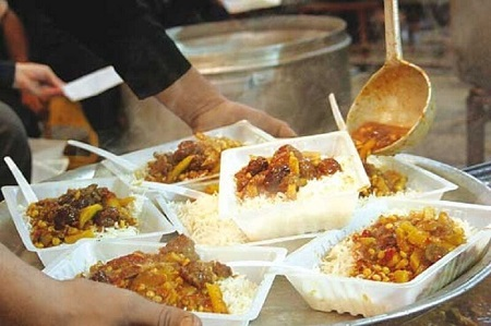 اطعام ۲۵۰۰ سوگوار فاطمی در آستارا