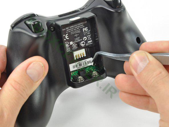 آموزش باز کردن و جداسازی XBOX 360 Controller 5