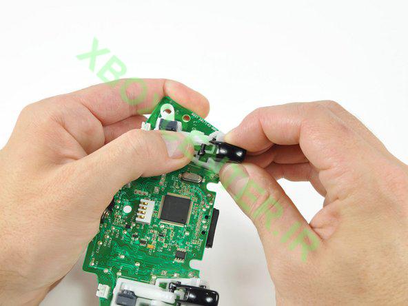آموزش باز کردن و جداسازی XBOX 360 Controller 26
