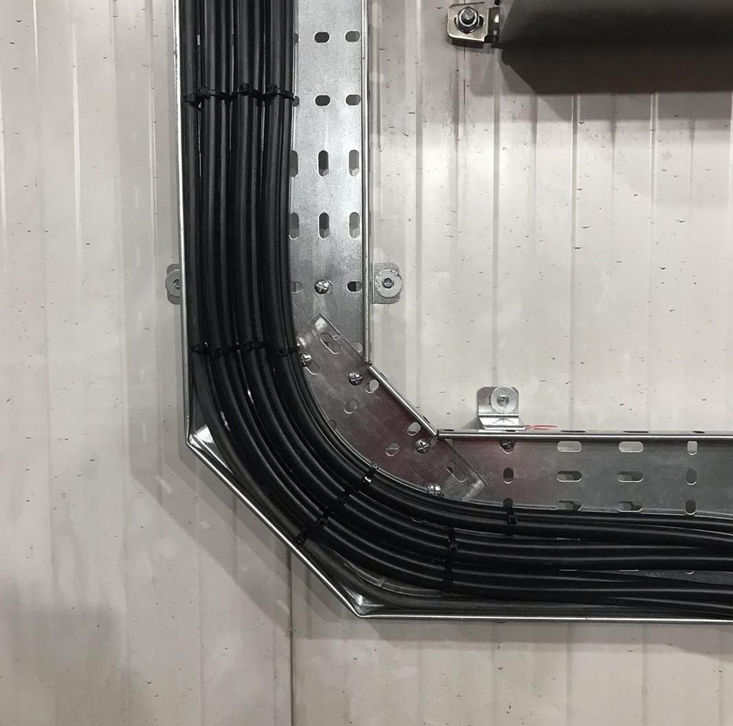 اجرای سینی کابل فلزی