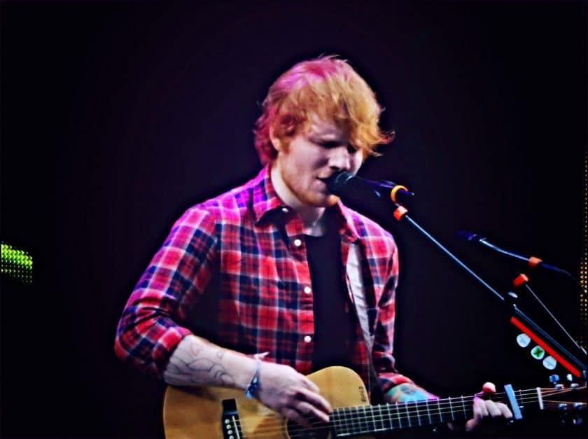 Ed-Sheeran از چه پدال هایی استفاده می کند