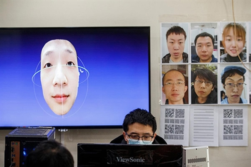http://s6.picofile.com/file/8390994126/Even_mask_wearers_can_be_IDd_China_facial_recognition_firm_says_feature.jpg
