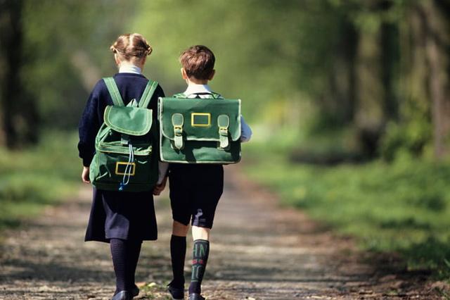 استفاده از ردیاب کودک برای جلوگیری از گم شدن و یا دزدیده شدن آنها